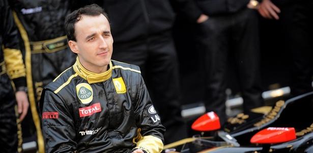 Kubica apresenta carro da Renault para temporada 2011 da F-1, logo antes do acidente - Jose Jorda/AFP