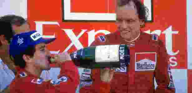 Lauda comemora título de 1984 ao lado de Prost - Mike Powell/Allsport/Getty Images