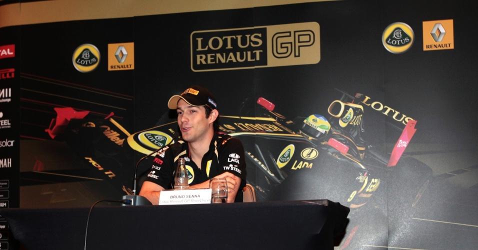 Bruno Senna concede entrevista coletiva em São Paulo antes do Grande Prêmio do Brasil (23/11/2011)