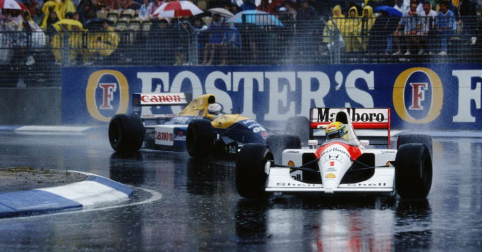 Ayrton Senna contorna curva na frente de Nigel Mansell no Grande Prêmio da Austrália (03/11/1991)