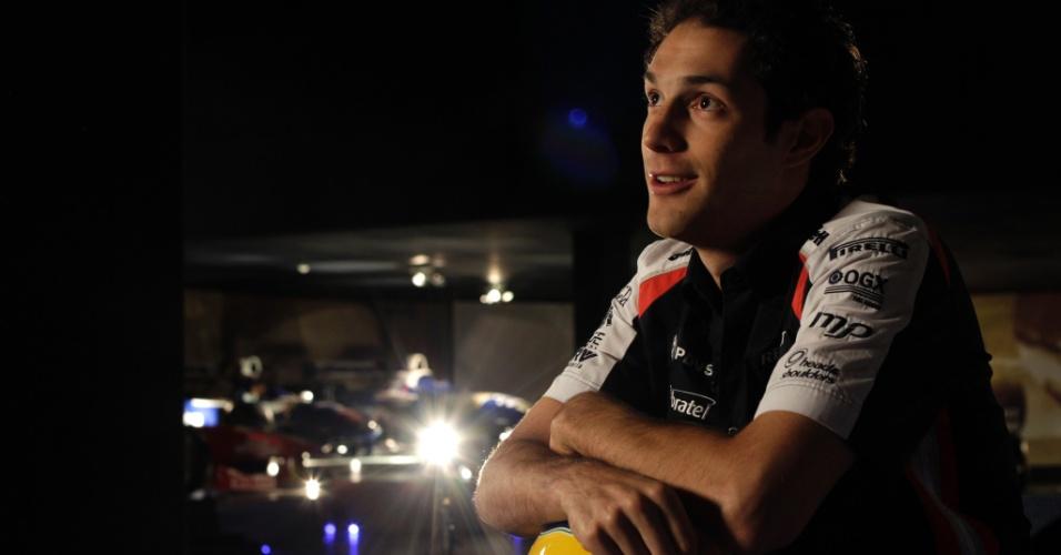 Bruno Senna posa oficialmente como novo piloto da Williams para a temporada 2012 da F1