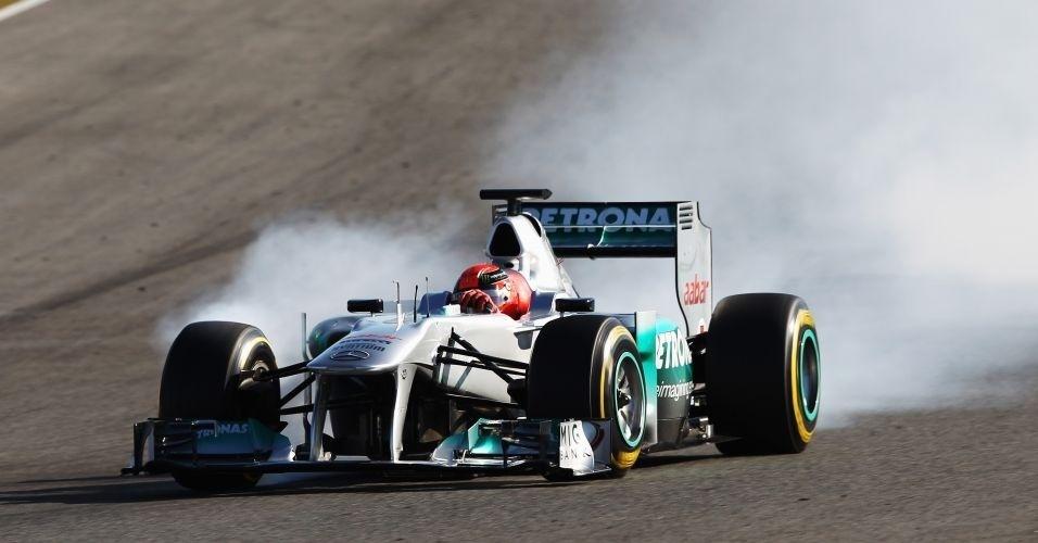 Michael Schumacher durante primeiro treino da Fórmula 1 em Jerez (07/02/2012)