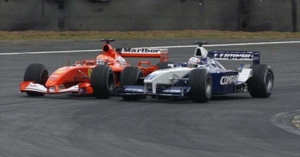 Logo no início da sua passagem pela F-1, Montoya ganhou destaque por uma ultrapassagem abusada para cima de Michael Schumacher