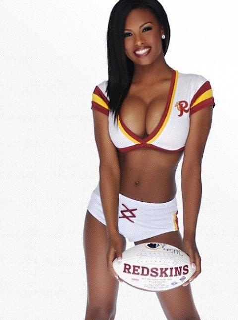 Mila, cheerleader do Washington Redskins