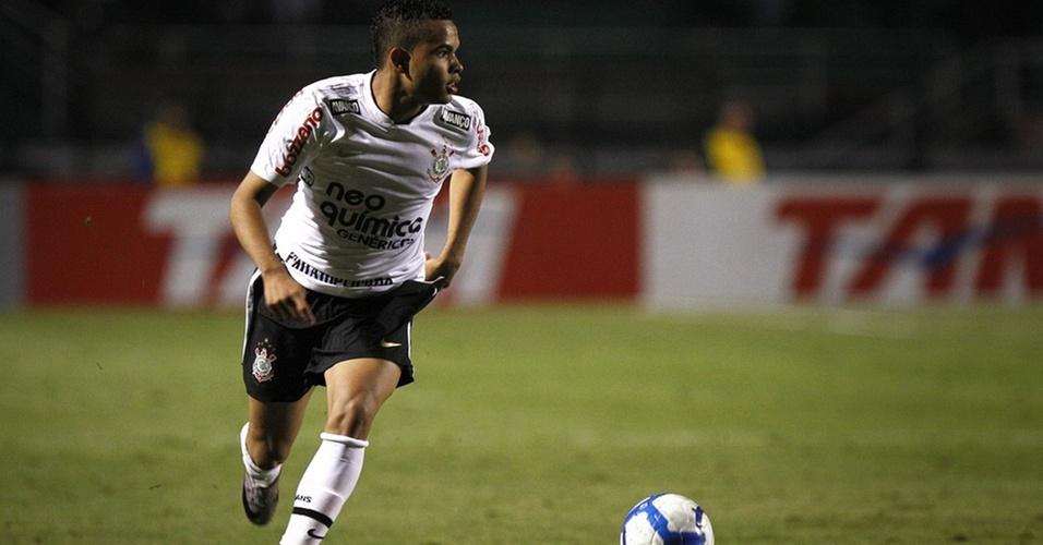 Dentinho voltou a jogar pelo Corinthians contra o Avaí