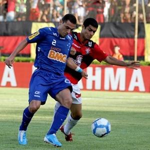 Vitória é derrotado pelo Cruzeiro por 1 a 0 no Barradão