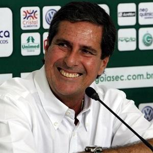 Arthur Neto é apresentado no Goiás