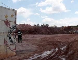 Estádio em Itaquera segue parado, mas Andrés promete que as obras começarão na terça-feira
