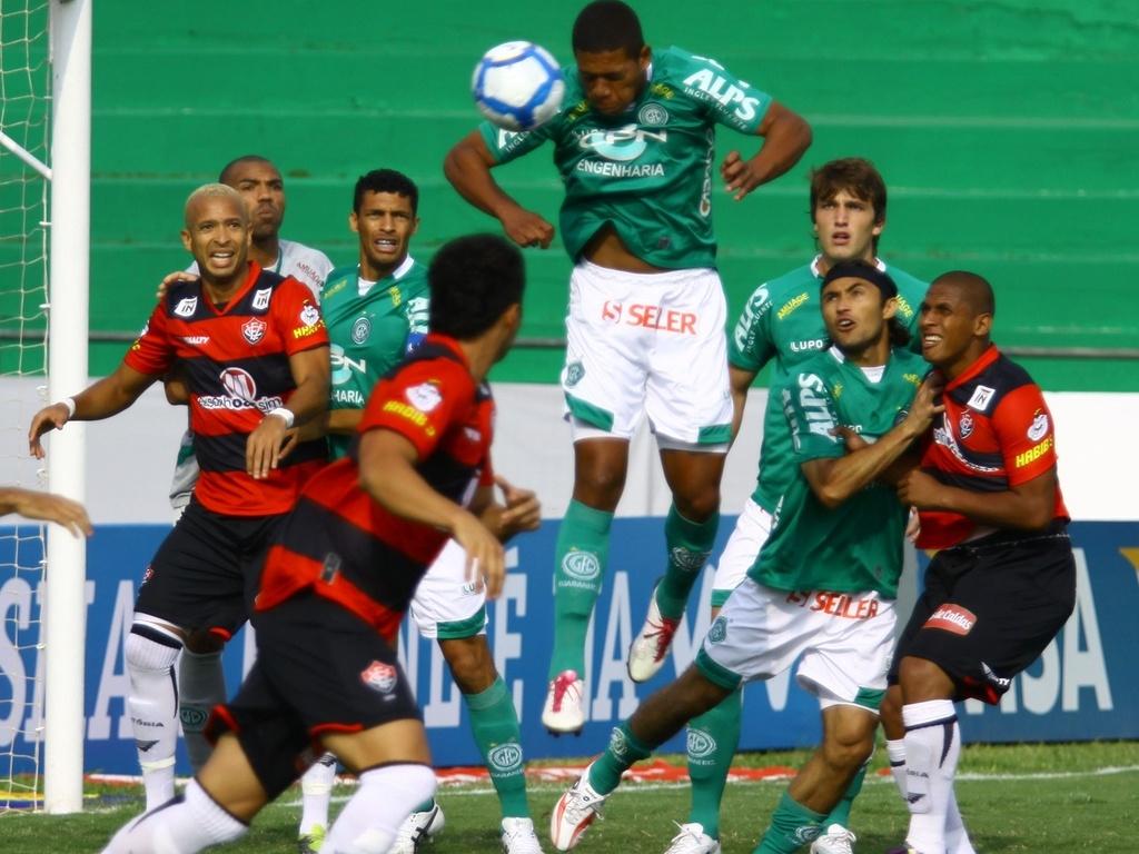 Lance da partida entre Guarani e Vitória pela 35ºrodada do Campeonato Brasileiro