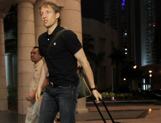 Lucas é o primeiro jogador a chegar a Doha para amistoso entre Brasil e Argentina