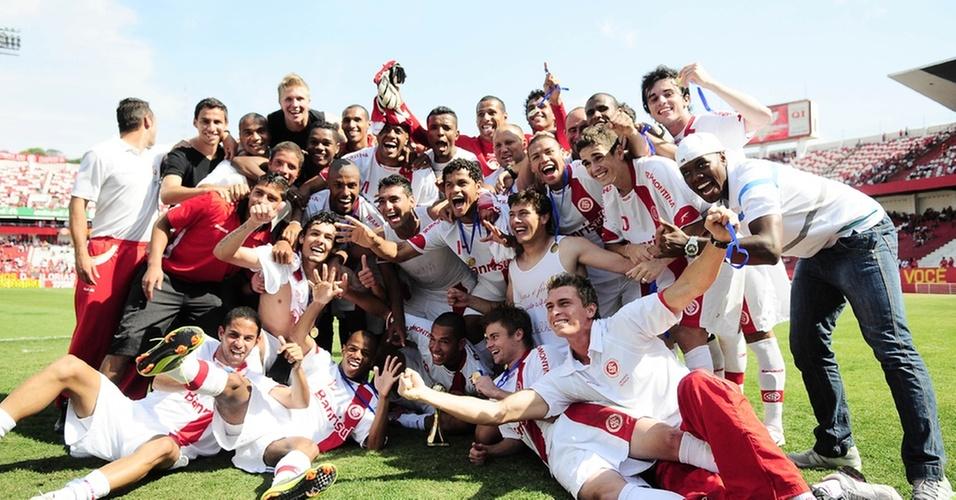 Jogadores do Inter comemoram título da Copa Sub-23