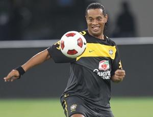 Rede Globo pode passar a perna no Grêmio e ajudar o Flamengo a contratar Ronaldinho Gaúcho