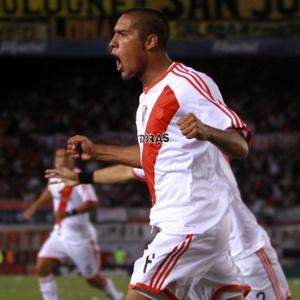 Maidana comemora gol que deu a vitória ao River