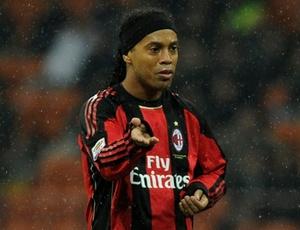 Com família e negócios em Porto Alegre, Ronaldinho quer reconciliação com o Grêmio