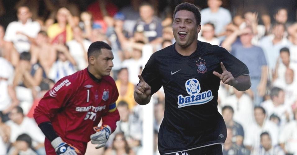 Ronaldo celebra gol em Fábio Costa, Santos x Corinthians, em 2009