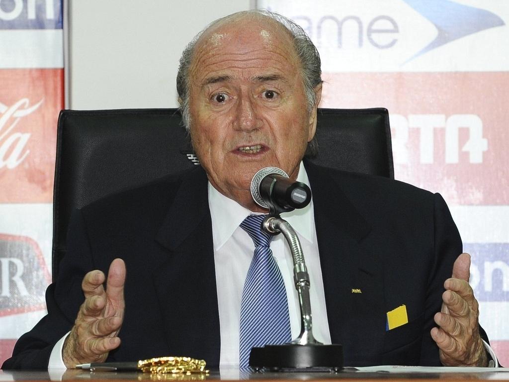 Joseph Blatter fala com a imprensa no Equador