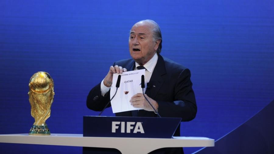 O então presidente, Joseph Blatter, em 2010, no anúncio do Qatar como sede da Copa de 2022 - AFP