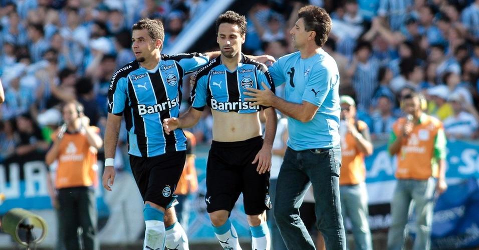 Jonas se vinga de Renato Gaúcho que o cobra em treinos
