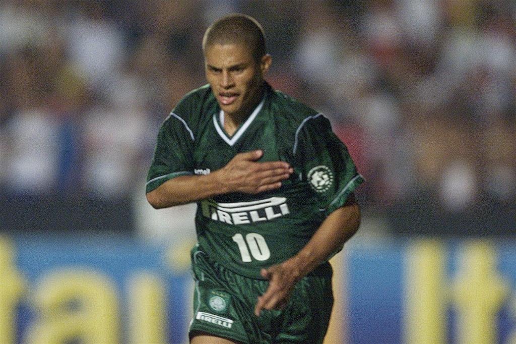 2beb9910b2 Relembre os 100 anos do Palmeiras em dez gols inesquecíveis - Esporte - BOL