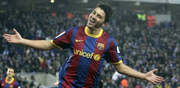 Villa comemora um dos gols na vitória do Barcelona sobre o Espanyol