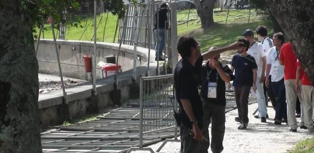 Vendaval derrubou estruturas no acesso da Marina da Glória, local do sorteio