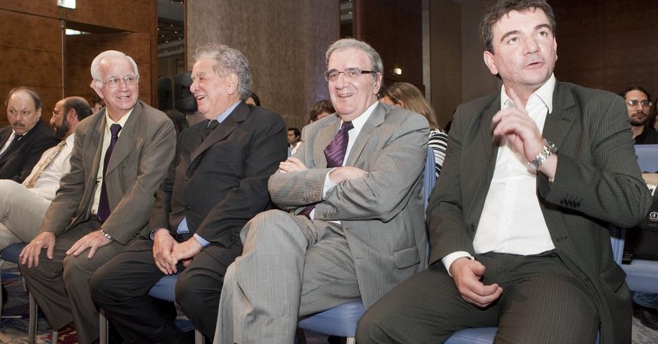 Norberto Moreira, Juvenal Juvêncio, Luiz Gonzaga Belluzzo e Andrés Sanchez em encontro do G4
