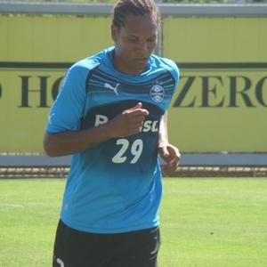 William Thiego corre em reapresentação gremista e é emprestado para o Bahia onde jogará em 2011
