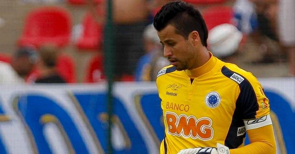 Goleiro Fábio em atividade pelo Cruzeiro no Brasileirão