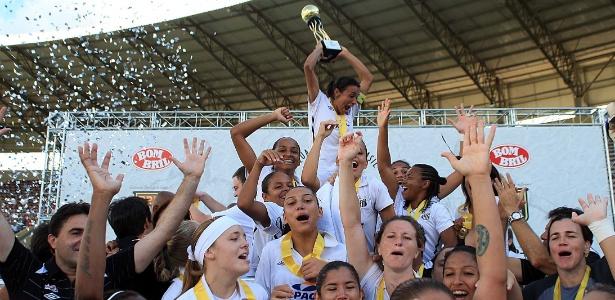 Atacante Marta pode disputar a Copa Libertadores pelo Santos no fim deste ano