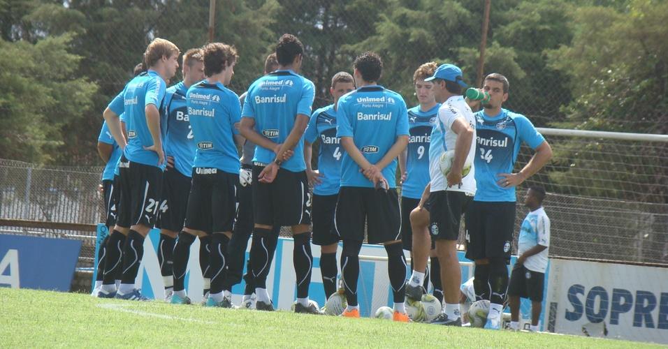 Renato Gaúcho separa time de reservas que atuará contra o Ypiranga
