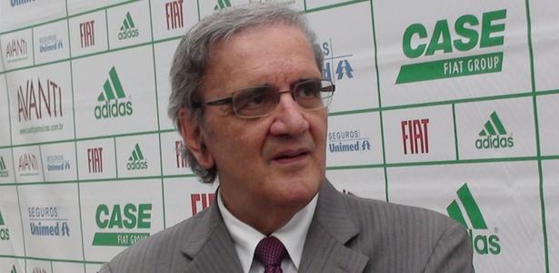 Belluzzo foi o responsável assinar o contrato para a construção do Allianz Parque