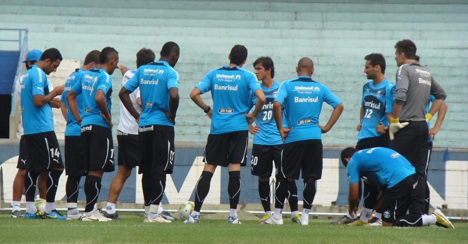 Renato Gaúcho separa time do Grêmio com titulares