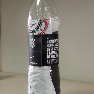 ... desenvolvida a partir de oito garrafas PET. Carlos Padeiro UOL Esporte 8744aa623919e