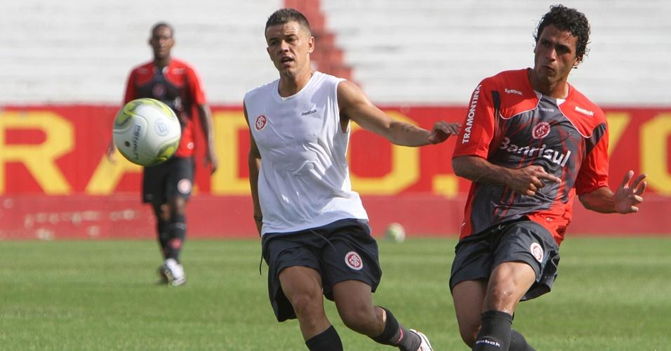 D'Alessandro e Ronaldo Alves treinam no Beira-Rio