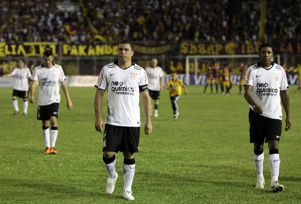 Jogadores do Corinthians lamentam eliminação diante do Tolima na Pré-Libertadores
