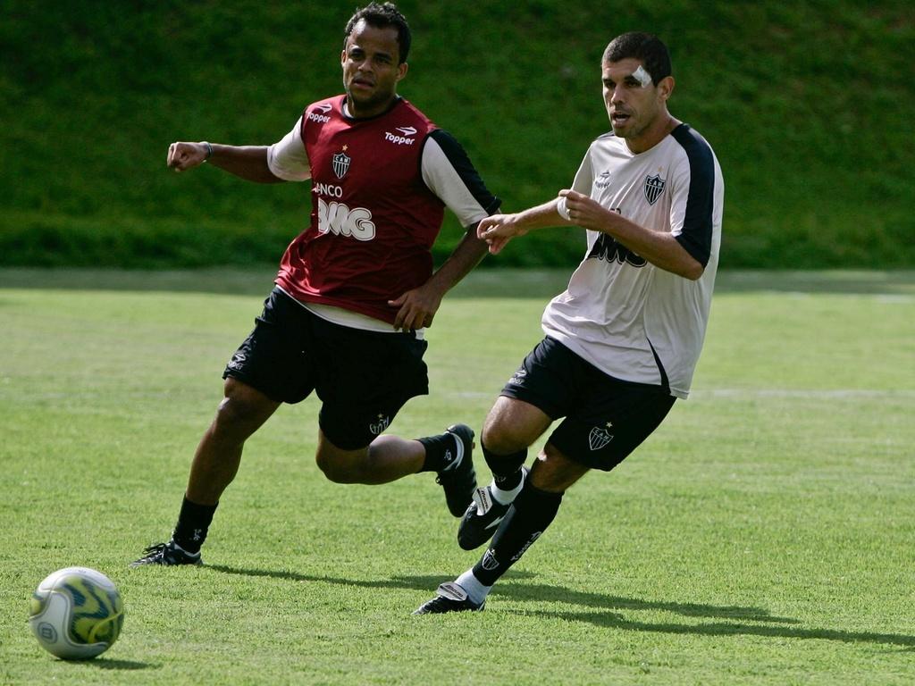 Mancini e Ricardinho estão entre os mais experientes jogadores do elenco atleticano