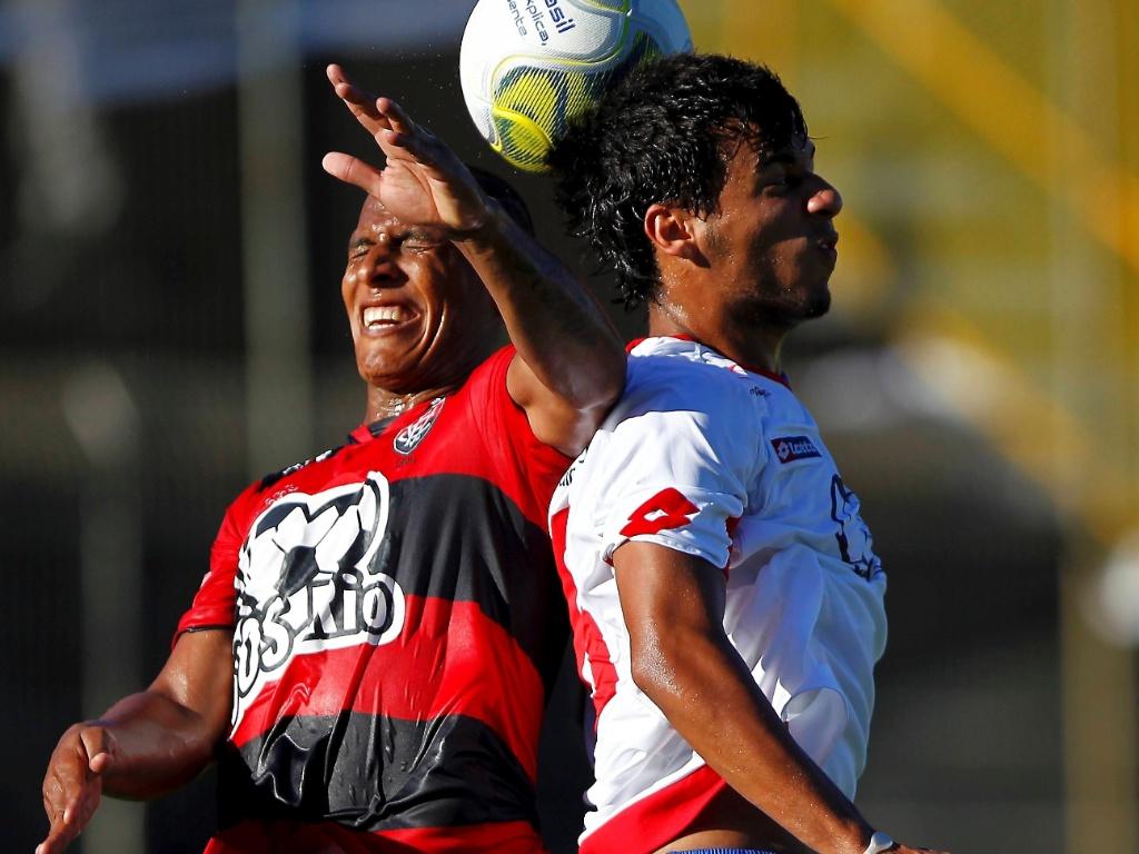 Lance da partida entre Vitória e Bahia, válida pelo Campeonato Baiano de Futebol 2011