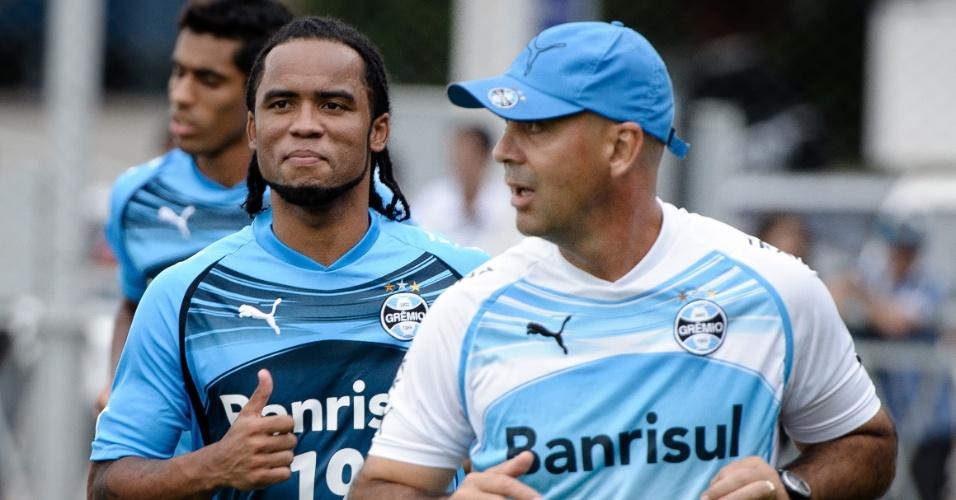 Carlos Alberto com o preparador físico Flávio de Oliveira no Grêmio