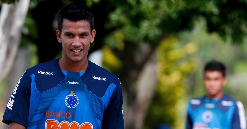 Henrique se prepara para outro clássico pelo Cruzeiro