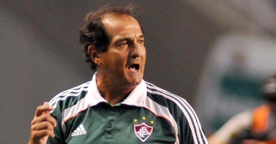 Muricy Ramalho reclama do Fluminense no empate com Argentinos Juniors