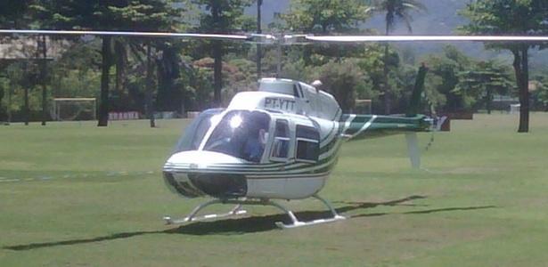 Vanderlei Luxemburgo deixa o treino do Flamengo no Ninho do Urubu de helicóptero