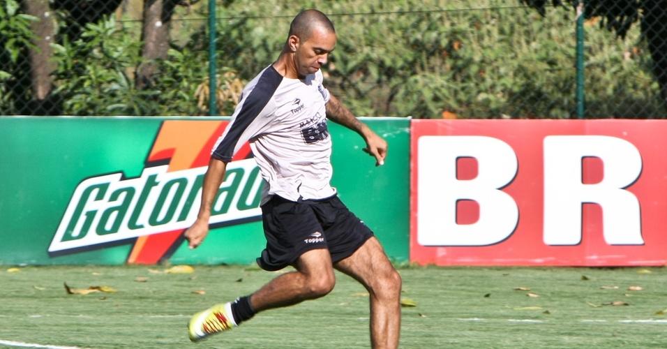 Diego Tardelli treina no Atlético-MG para o clássico com o Cruzeiro