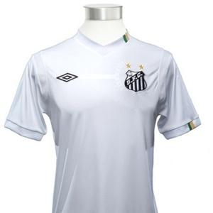 A camisa do Santos específica para a Libertadores chega ao mercado quarta-feira custando R$ 179,90