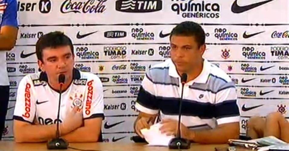 Ronaldo anuncia a despedida do futebol, em coletiva com o Corinthians