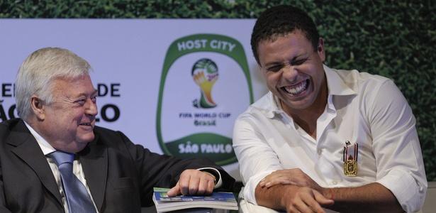 Ricardo Teixeira e Ronaldo em um evento no Museu do Futebol no início deste ano