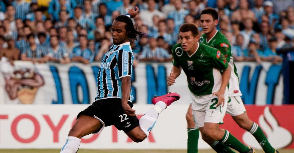 Carlos Alberto do Grêmio na partida contra o Oriente Petrolero-BOL na Libertadores