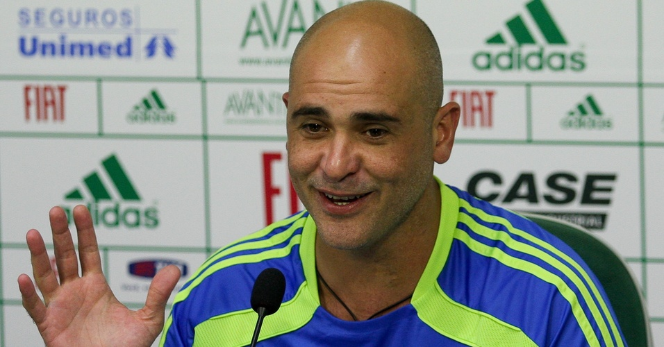 Marcos concede entrevista coletiva na Academia de Futebol do Palmeiras