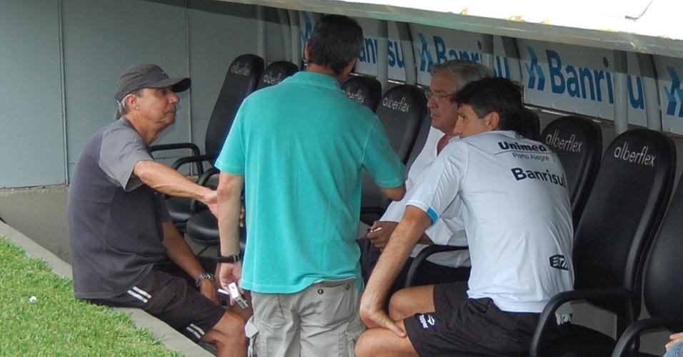 Renato Gaúcho não participa de recreativo antes da partida contra o Cruzeiro-RS pela semi da Taça Piratini e conversa com dirigentes