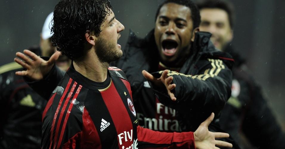 Alexandre Pato gol contra o Napoli e Robinho