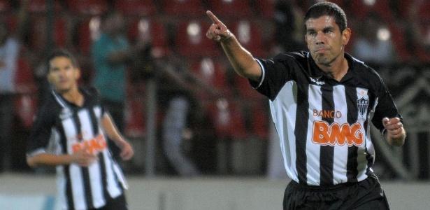 Ex-jogador ganhou o Mundial de Clubes com o Corinthians e penta com a seleção